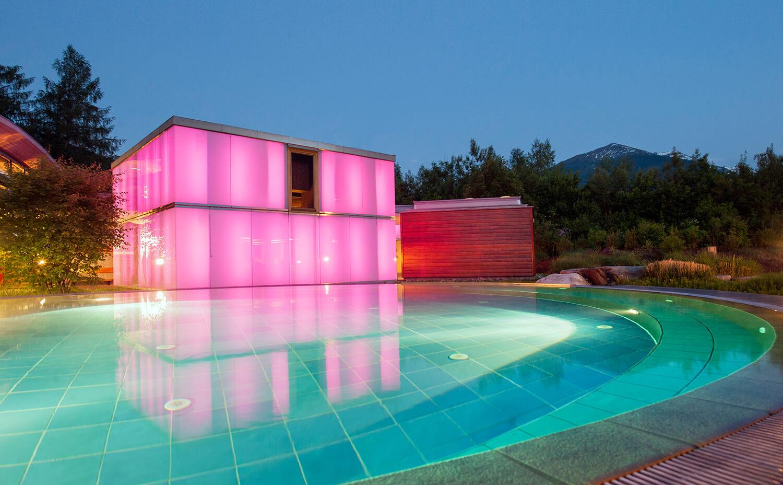 Die Sauna World der Alpentherme ist wie ein kleines Dorf.
