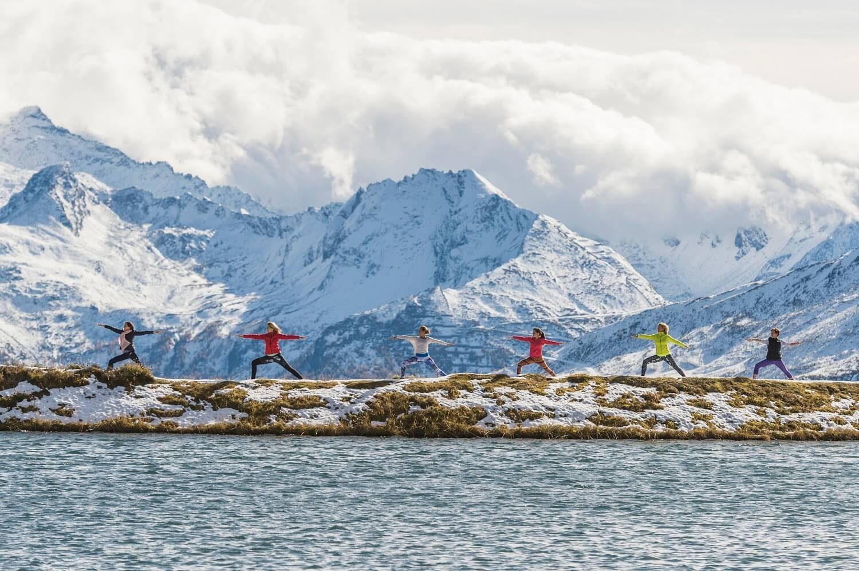 Yoga in Gastein vor atemberaubender Bergkulisse