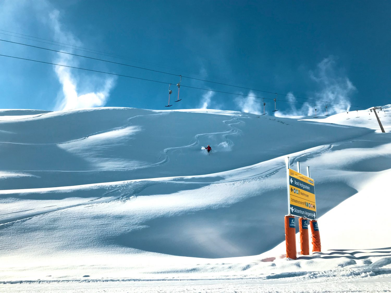 Tiefschneefahren im Skigebiet Schlossalm-Angertal-Stubnerkogel.