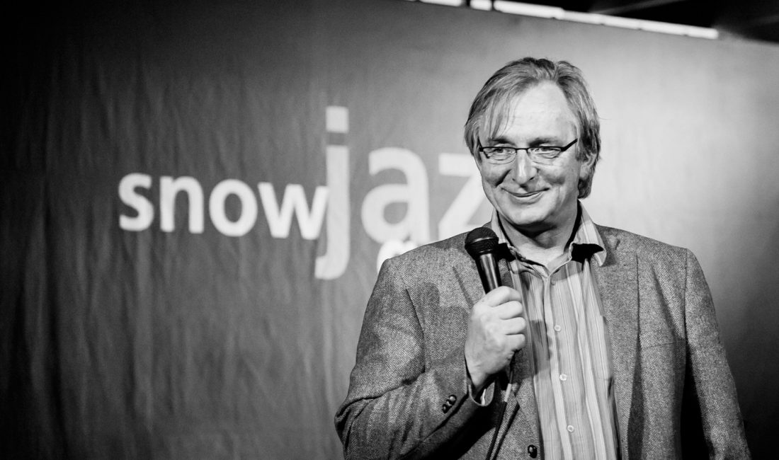 Sepp Grabmaier mit Mikrofon