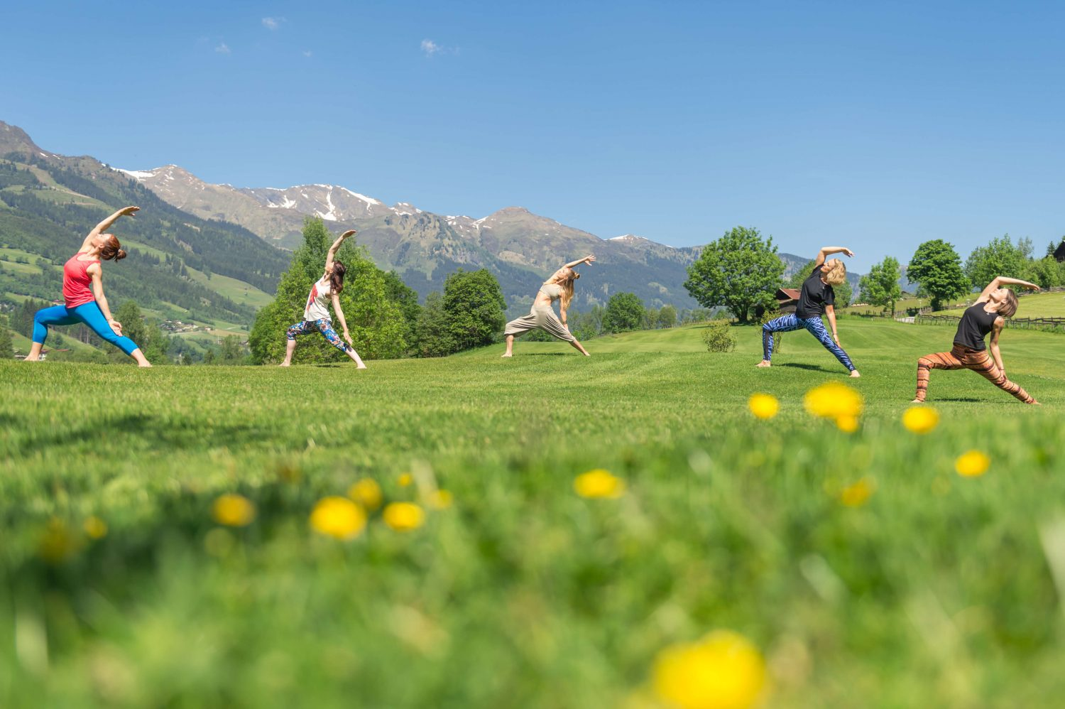 Yoga am Golfplatz in Gastein
