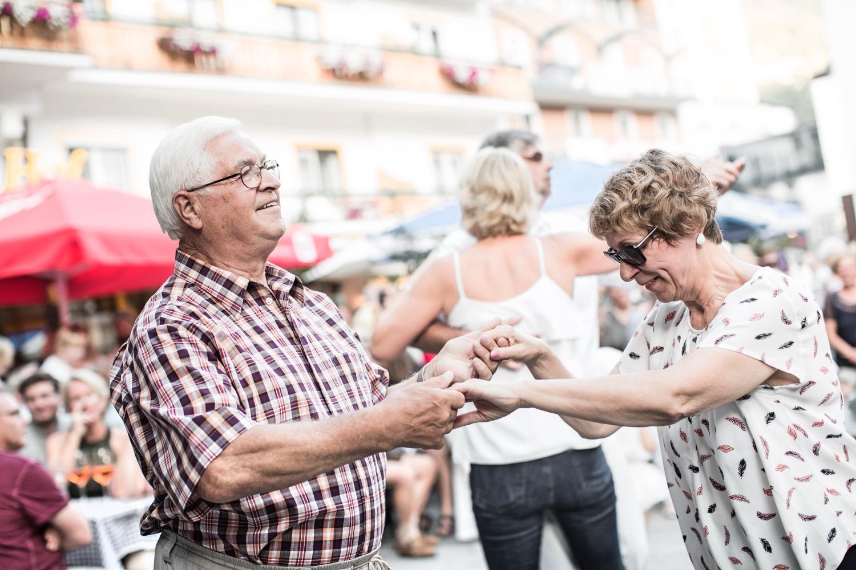 Walzer tanzen im Gasteinertal