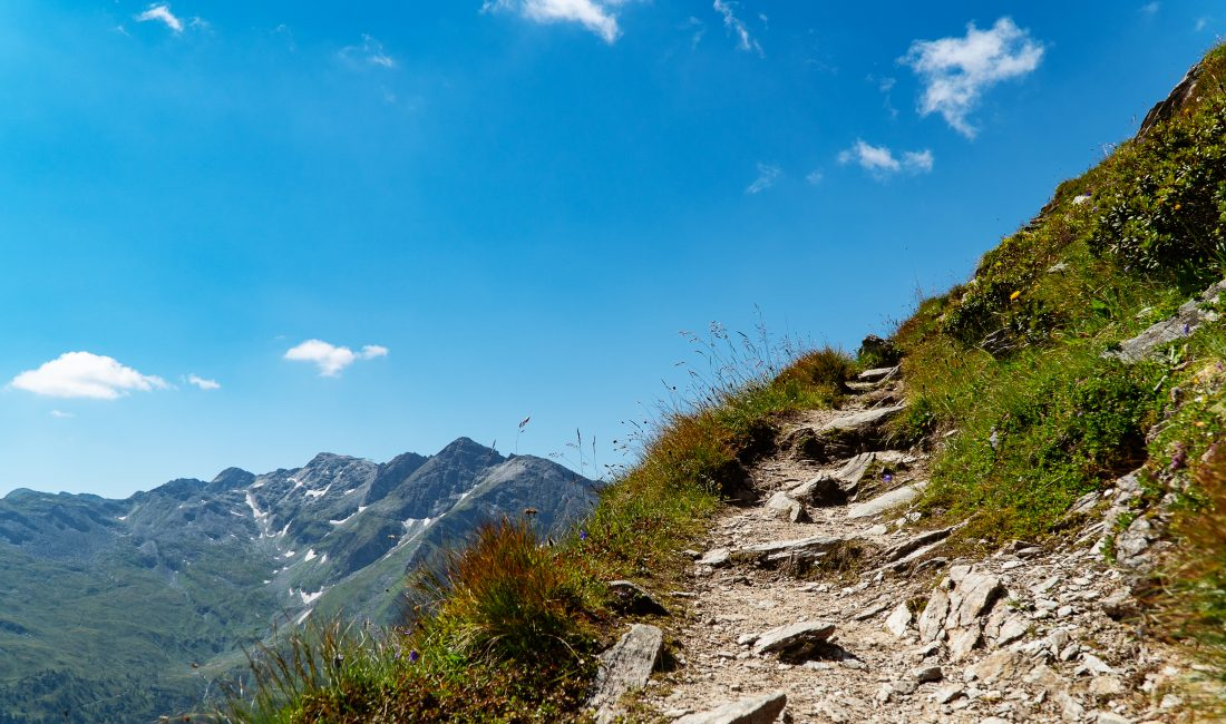 Höhenweg zwischen Zittrauer Tisch und Miesbichlscharte