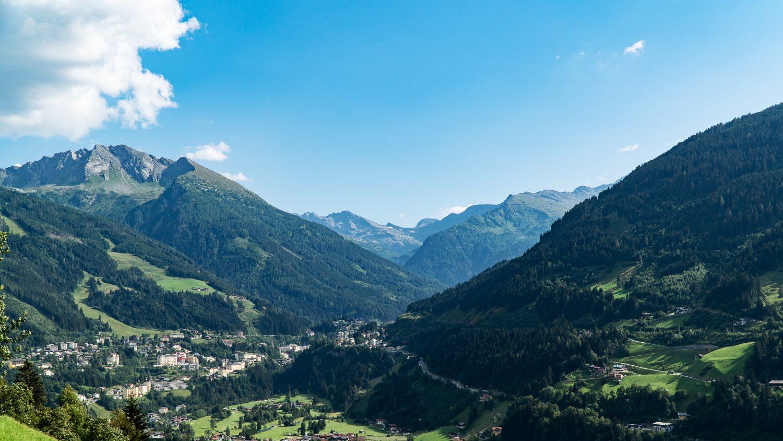Blick von Norden auf das Gasteinertal und Bad Gastein