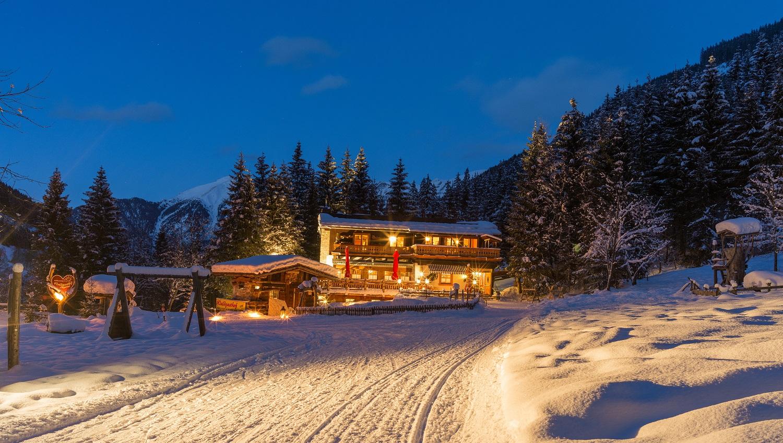 Waldgasthof Angertal bei Nacht