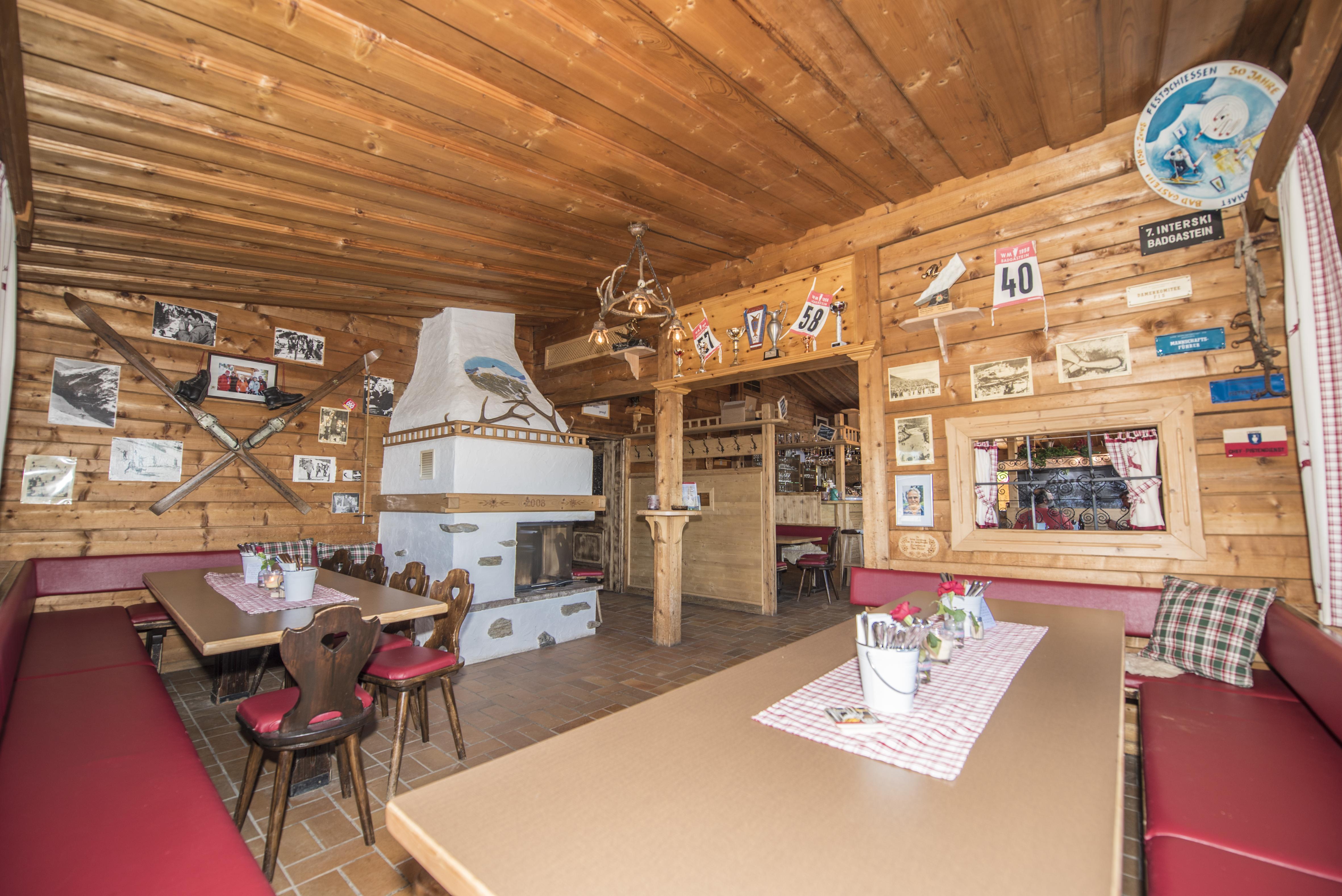 Die Graukogelhütte von innen