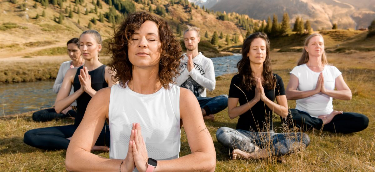 Yoga in Sportgastein in der Gruppe