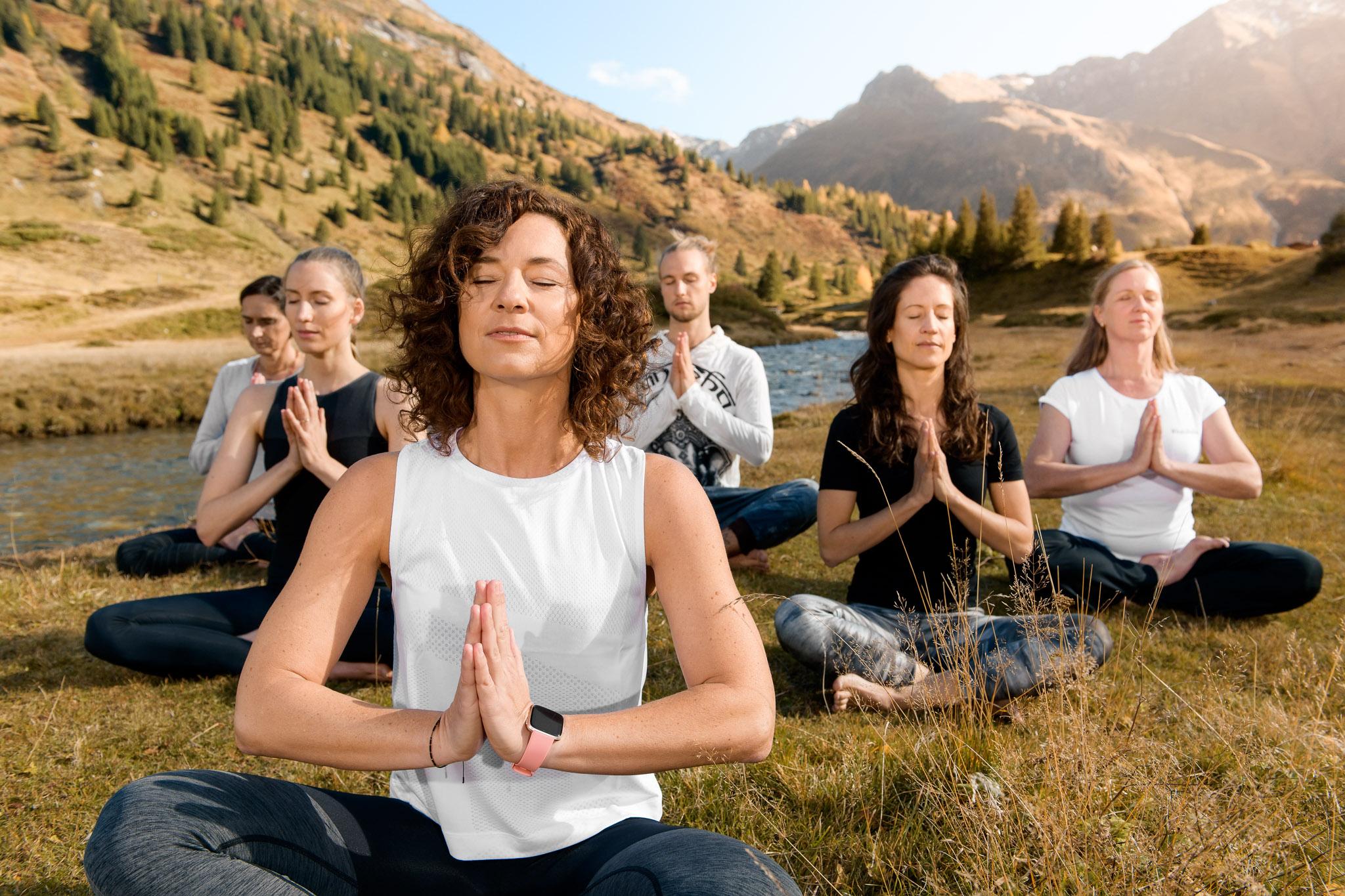 Yoga in Sportgastein in der Gruppe