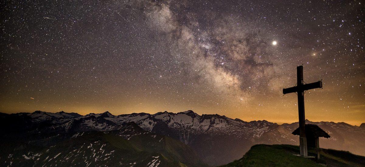 klarer Sternenhimmel über der Gasteiner Bergwelt
